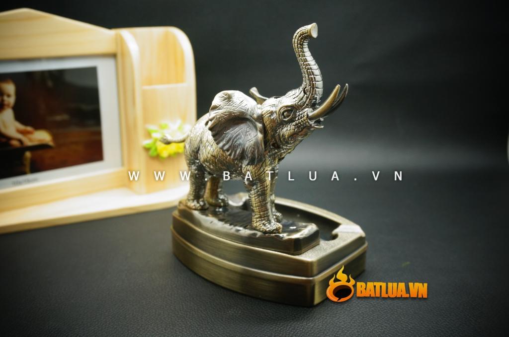 Bật lửa kiêm gạt tàn hình con voi lịch lãm