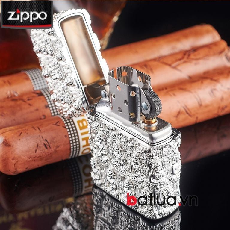 Bật lửa Zippo chính hãng màu bạc trắng khắc hình đức phật cổ