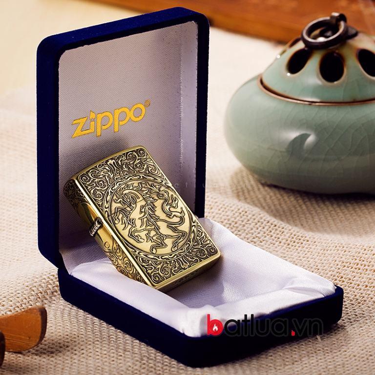 Bật lửa Zippo chính hãng vàng cổ khắc hoa văn hình ngựa