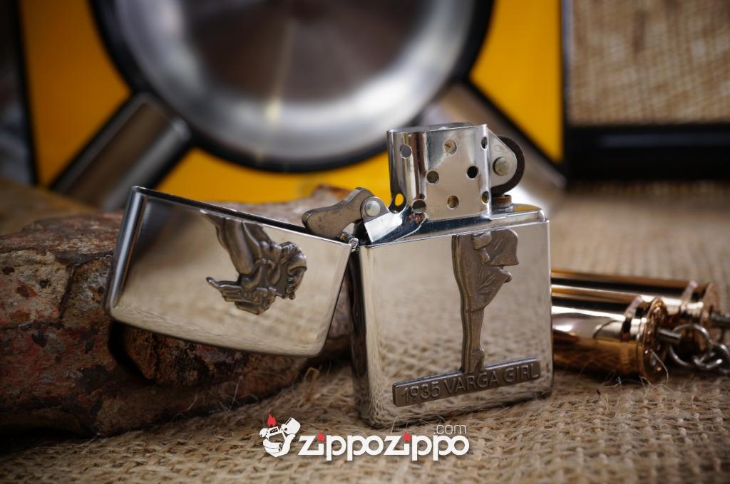 Zippo Cô Gái Hút Thuốc Nổi