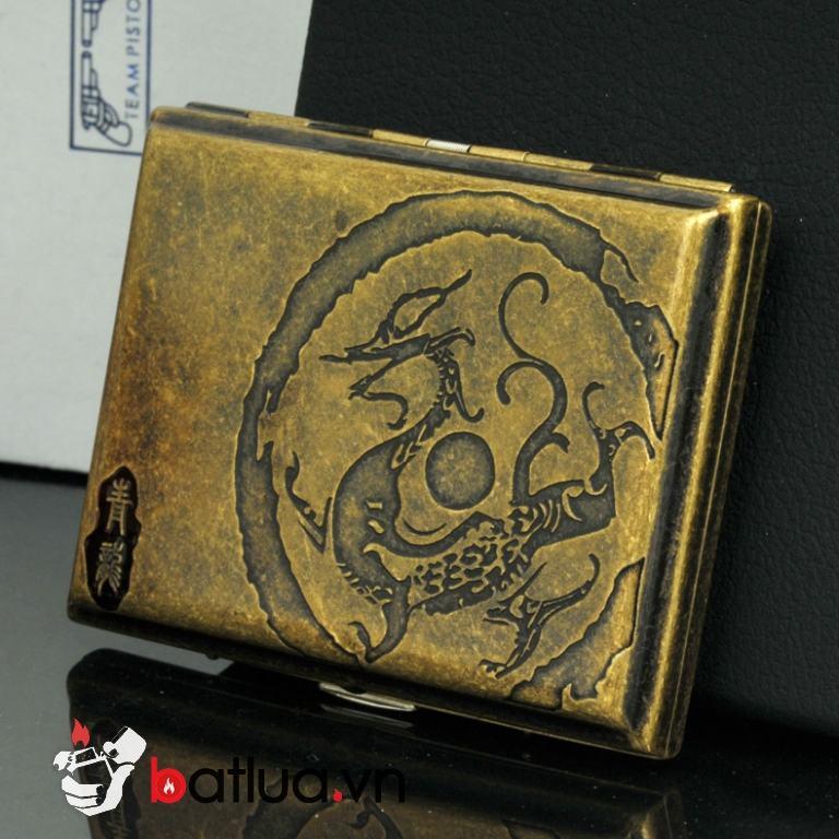 Hộp đưng thuốc lá màu vàng cổ khắc cổ đại 16 điếu