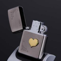 Bật lửa điện sạc pin USB kiểu dáng Zippo in hình logo trái tim - Mã SP: BL01935
