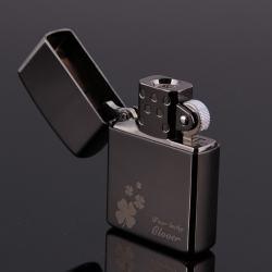 Bật lựa điện sạc qua USB kiểu dáng Zippo cỏ 4 lá tình yêu Mẫu 43  MS66 070 - Mã SP: BL00641