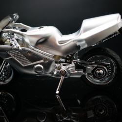 Bật lửa GX-029 kiểu dáng xe máy phân khối lớn mạ vàng - Mã SP: BL00956
