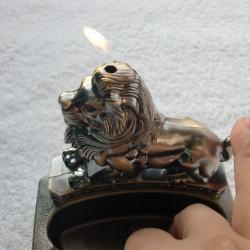 Bật lửa kiêm gạt tàn hình con sư tử - Mã SP: BL09193