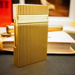 Bật Lửa S.T.Dupont kẻ dọc ánh vàng Mẫu 91 - Mã SP: BL00356