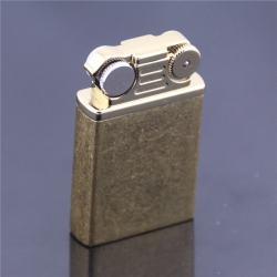 Bật lửa Vintage khắc hoa văn nổi kiểu dáng cổ điển (lửa khò) - Mã SP: BL09628