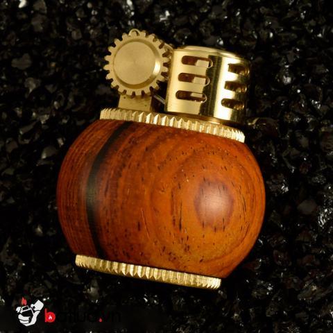Bật Lửa Xăng Đá Zorro Z583 vỏ gỗ hồng môc