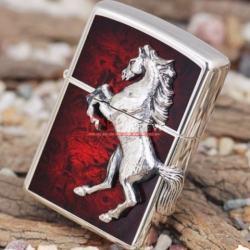 Bật lửa Zippo chính hãng mặt đỏ trạm khắc ngựa nổi - Mã SP: BL09971