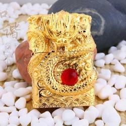 Bật lửa Zippo chính hãng phiên bản rồng vàng quấn ngọc đỏ - Mã SP: BL09098