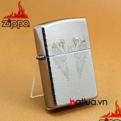 bật lửa zippo chính hãng xước chéo khắc hình đôi cánh - Mã SP: BL03245