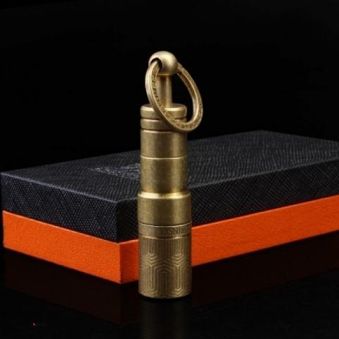 Đầu cắt Cigar LUBINSKI có móc khóa treo màu vàng đồng