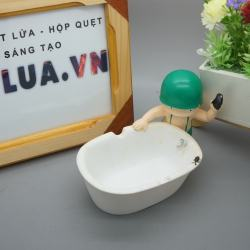Gạn tàn thuốc lá chú lính đánh rửa bồn tắm - Mã SP: BL01369