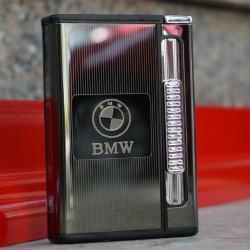 Hộp đựng thuốc lá đa năng đẩy thuốc kiêm bật lửa nhãn hiệu xe hơi BMW - Mã SP: BL09159