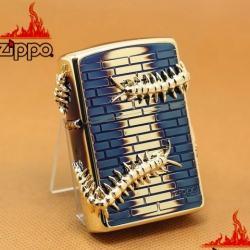 Zippo CHính Hãng Màu Vàng Đốt Hình Con Rết - Mã SP: ZPC1119